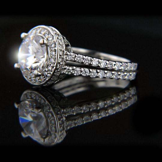 The Bachelor, Season 17 Engagement Ring! Kenya_Round Cut