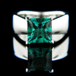 Candy Solitaire Engagement Ring_Princess cut Emerald Gemstone