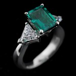 Selma Three Stone Engagement Ring_Emerald cut Emerald Gemstone