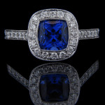 Luxury Antique Enagement Ring with Blue Sapphire