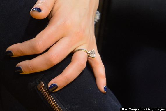 Mila-Kunis-Enagagement-Ring-close-up_image-courtesy-huffingtonpost.com