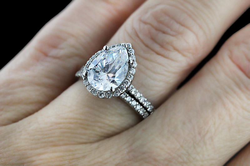 Custom Engagement Ring Desgin | Custom Diamond Halo Wedding Set | Pear cut Diamond Hybrid