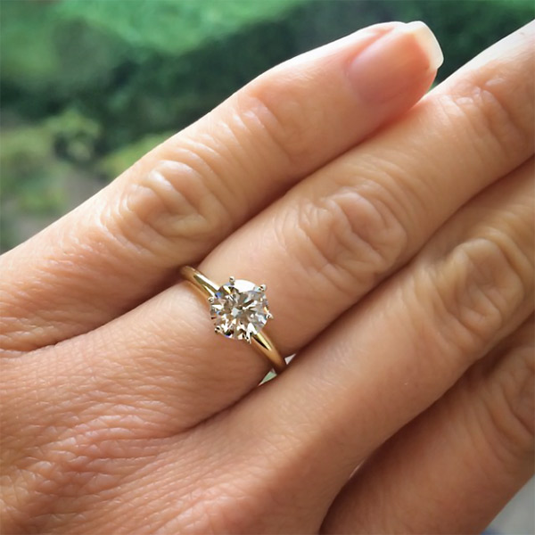 Diamonds Defined | Round cut 1.07ct | MiaDonna Man-Made Diamond