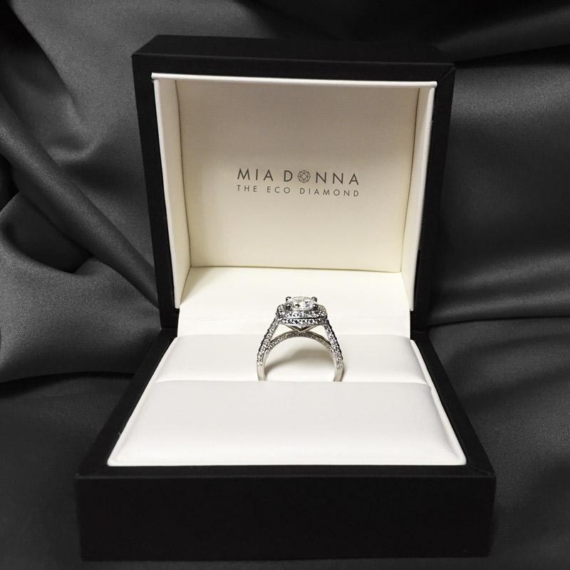 Modern Anniversary Gifts | Lab-Created Diamond Platinum Engagement-Ring | MiaDonna