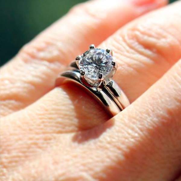 Gorgeous Celebrity Engagement Ring and Wedding Bands ...