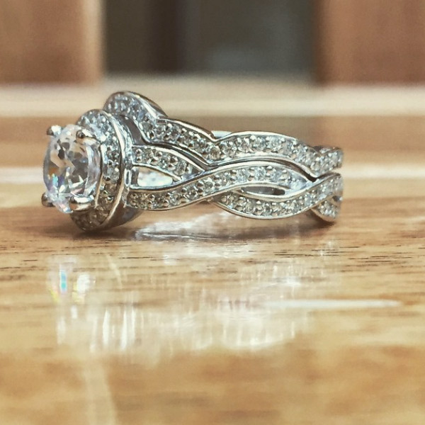 Top 5 May | Antique Style Engagement Rings | Petals Wedding Set